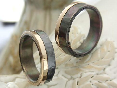 10Kゴールドとチタンの2層結婚指輪