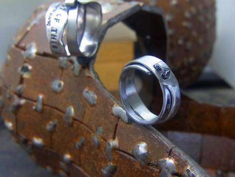 タンタルで作った結婚指輪
